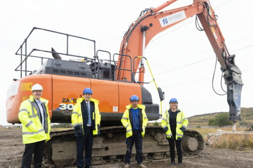 Mayor Meets Teesworks Contractor Who Joined Site After Training Success